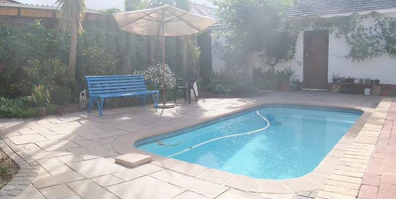 Property For Rent in Rondebosch, Cape Town 15