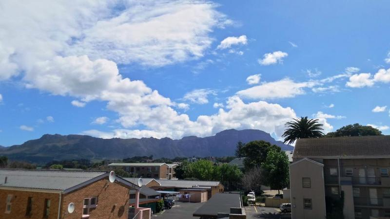Apartment / Flat For Rent in Plumstead, Cape Town