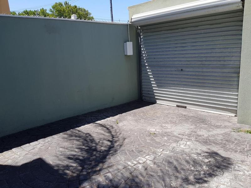 Property For Rent in Harfield Village, Cape Town 12