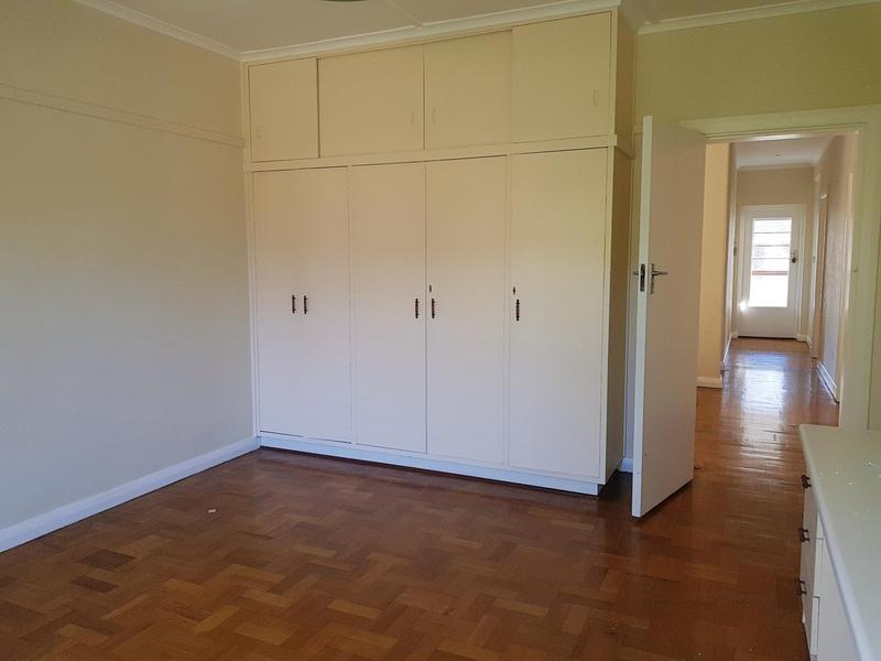 Property For Rent in Rondebosch, Cape Town 13