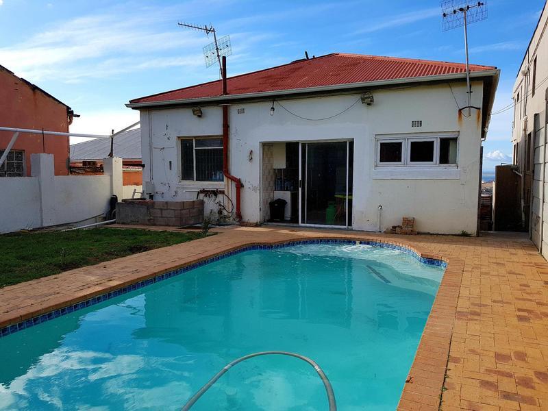 Property For Sale in Walmer Estate, Cape Town 14