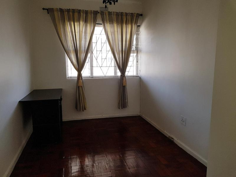 Property For Rent in Pinati, Cape Town 3