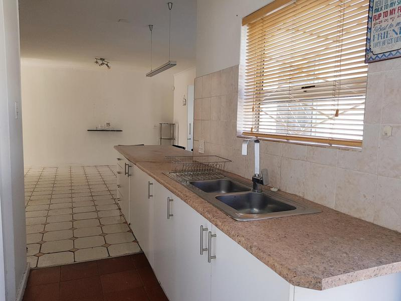 Property For Rent in Pinati, Cape Town 7