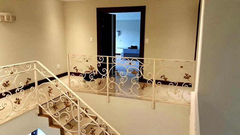 Property For Rent in Bloubergstrand, Cape Town 11