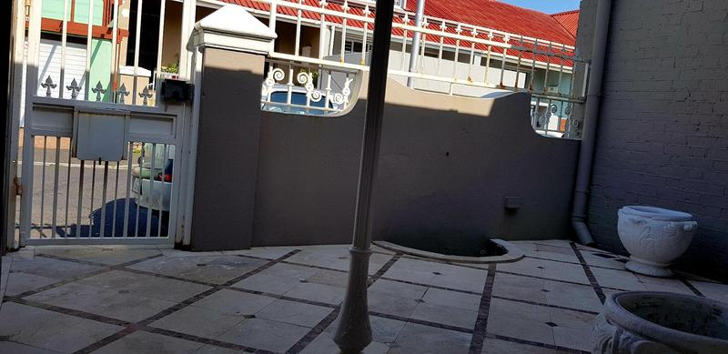 Property For Sale in Woodstock, Cape Town 3