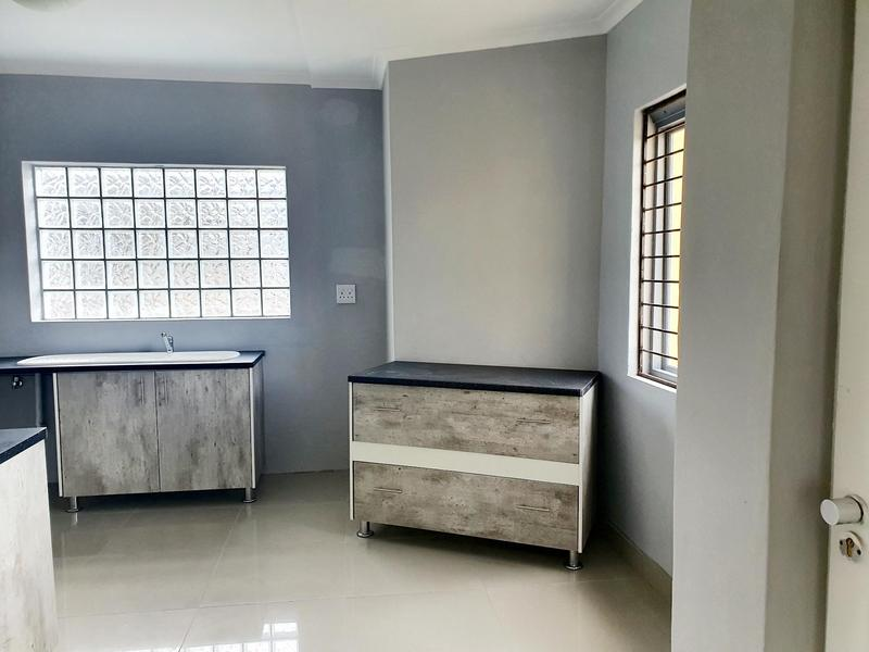 Property For Rent in Thornton, Cape Town 6