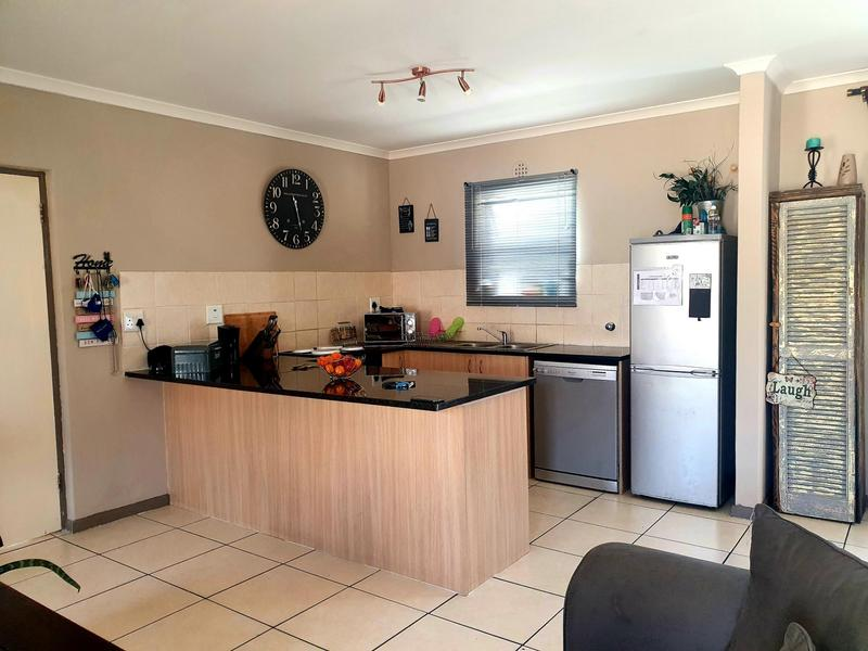 Property For Sale in Parklands, Cape Town 5