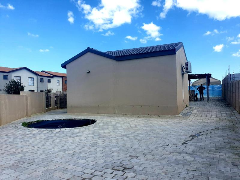 Property For Sale in Parklands, Cape Town 16