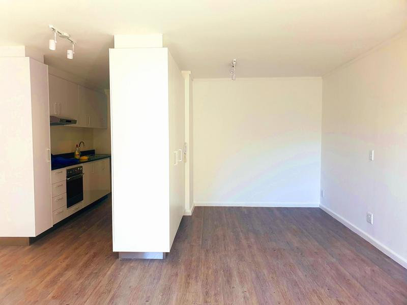 Property For Rent in Cape Town, Cape Town 4