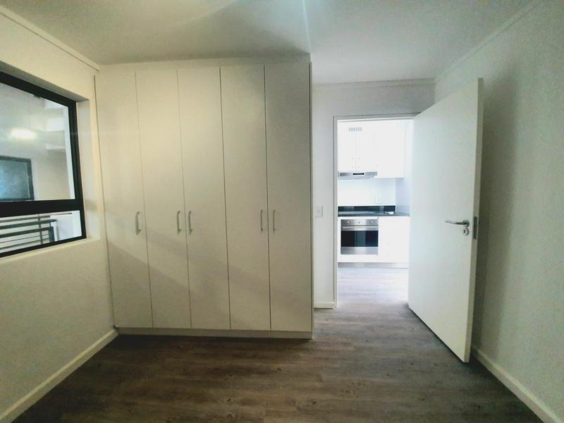 Property For Rent in Cape Town, Cape Town 5