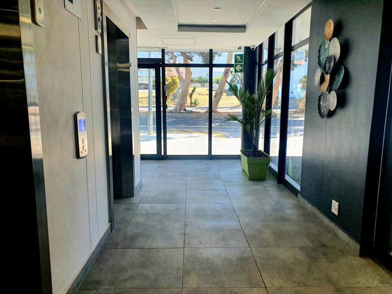 Property For Rent in Cape Town, Cape Town 12