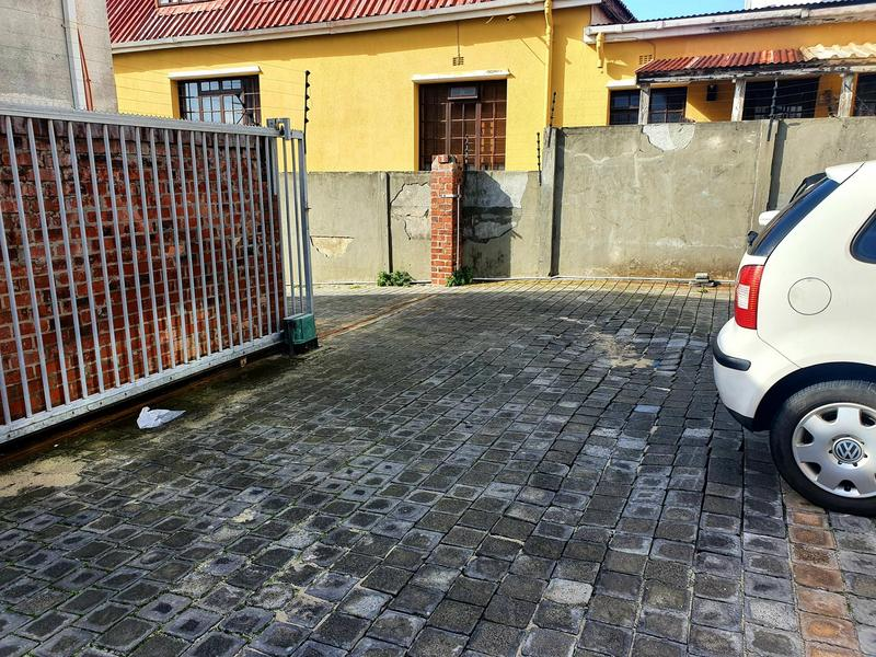 Townhouse For Rent in Woodstock, Cape Town