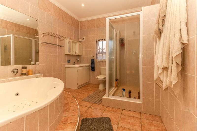 Apartment / Flat For Rent in Cape Town, Cape Town