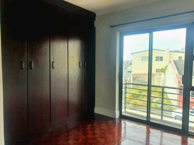 Property For Rent in Walmer Estate, Cape Town 4