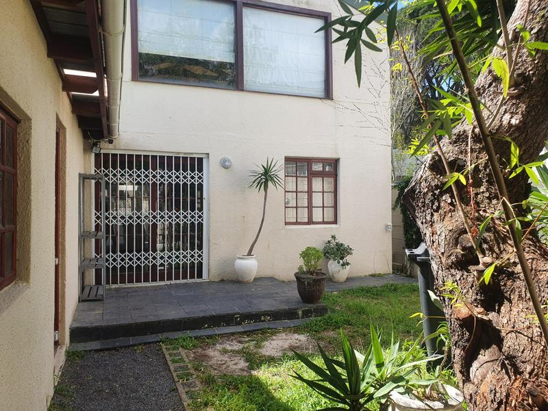 House For Rent in Vredehoek, Cape Town